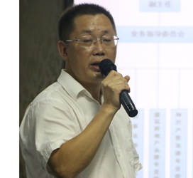 王光英主任向王汉波主任授牌开展盈科律所工作(图)
